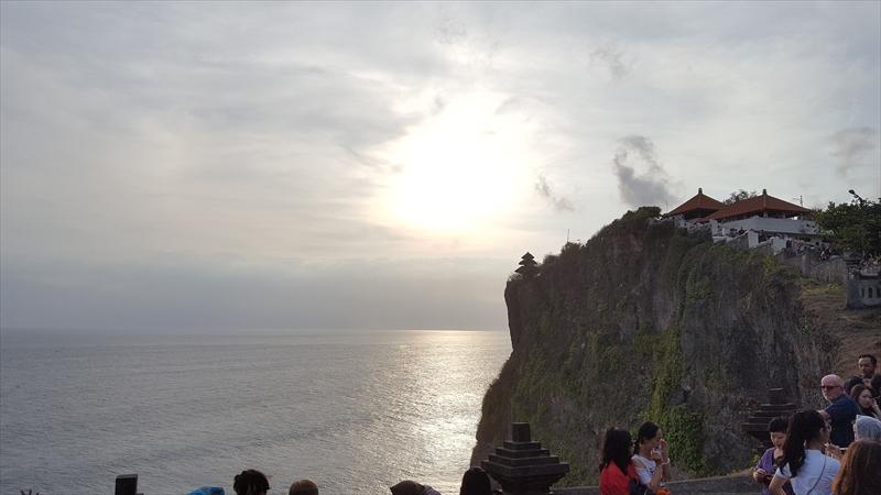 バリ島の王道 盛り沢山ツアーwithスパ(ウブド、ウルワツ、ジンバラン)