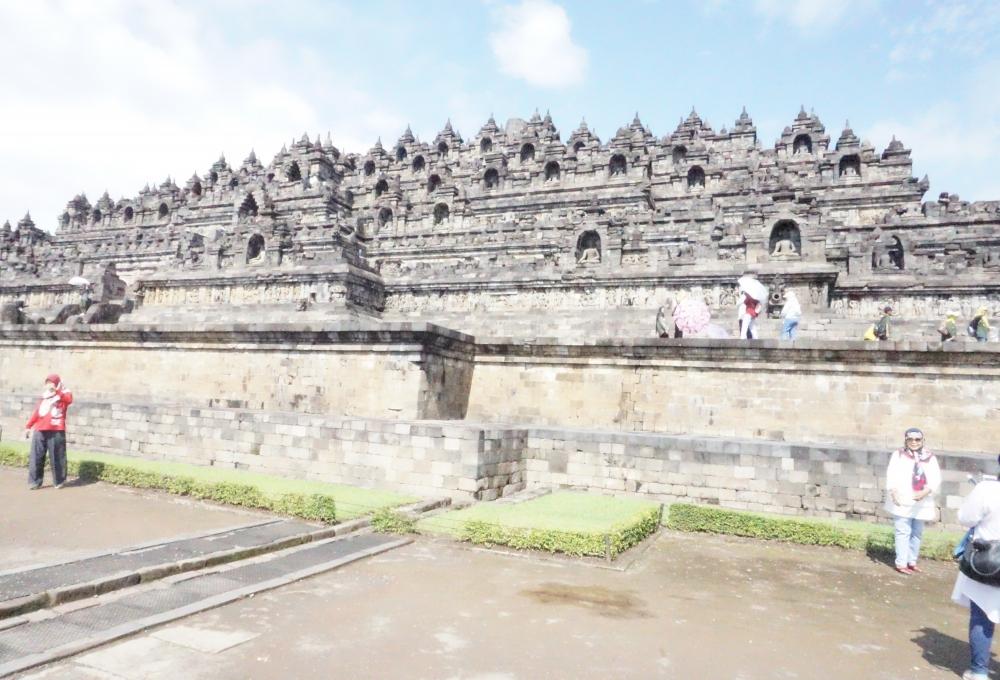 (2019年3月31日まで)<ガルーダインドネシア利用>専用車で巡るのはバリ王だけ!!世界遺産ボロブドゥール遺跡とプランバナン寺院ツアー