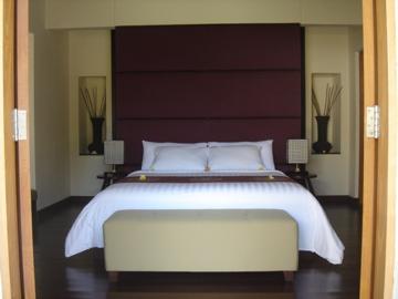 aston legend_1bed_bedroom