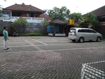 Canang sari Rest_parking