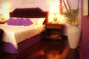 Ladies-Room-05.jpg