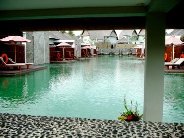 furama Xclusive3_lagoon pool
