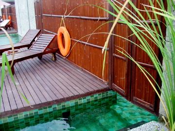 furama Xclusive3_lagoon pool2