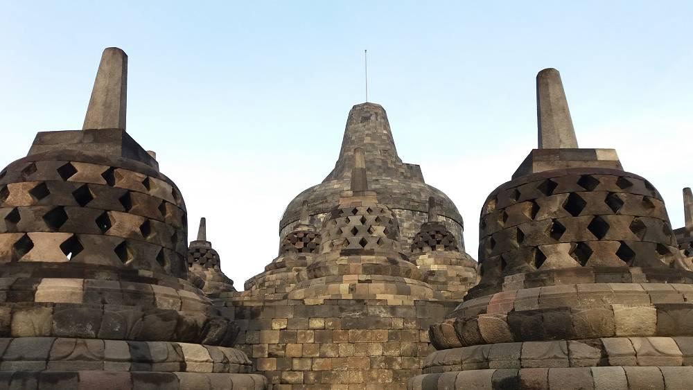 世界遺産・ボロブドゥール遺跡とブランパナン寺院ツアー